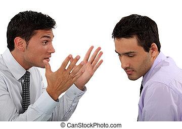 dos, joven, Hombres de negocios, teniendo, argumento