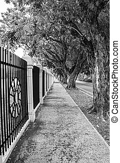 Vanishing point - Example of vanishing point in a long...