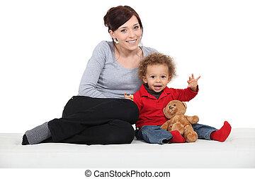 男孩, 很少, 玩具, 熊, 母親, 坐