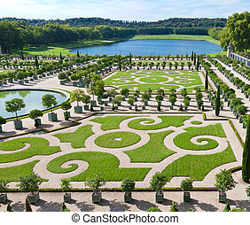 L'Orangerie garden in Versailles - L'Orangerie garden and...