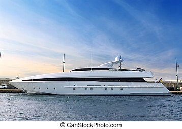 Luxury yacht - Large luxury yacht anchored at St. Tropez in...