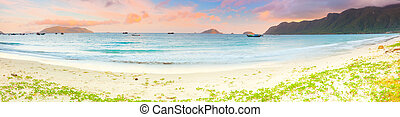 Sunset panorama - Sunset over the sea Panorama Con Dao...