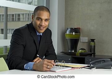 homem, seu, trabalhando, negócio, escrivaninha