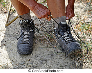 Strapping walking shoes - Strapping the walkingshoes before...