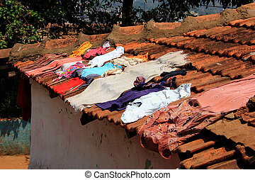 Air-drying clothes on the roof - Documentary: air-drying...