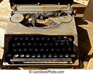 anticaglia, Macchina scrivere