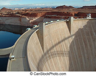 Powell Lake -Glen Canyon Dam