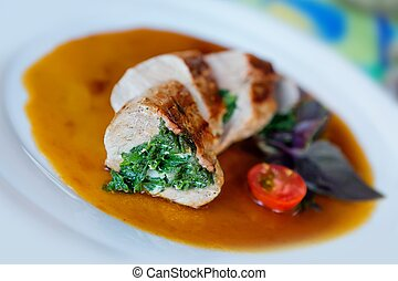 Meat - pork tenderloin - Pork tenderloin with spinach and...