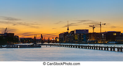 Sunset panorama of Berlin - Panorama of the river Spree and...