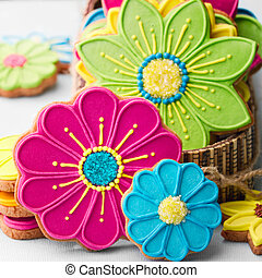 Flower cookies - Gift box filled with colorful flower...