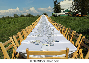 Formal table on the farm - Beautiful table set for 146...