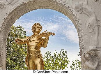 Johann Strauss in stadtpark in Vienna, Austria