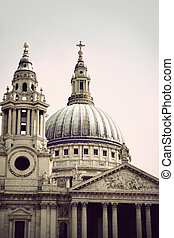 St Pauls cathedral in London, with vintage look
