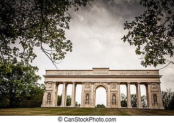 Colonnade Reistna, a neoclassical landmark and a viewpoint...