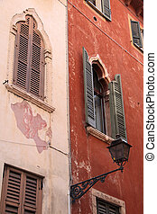 Old town houses in Verona - Town houses in the old town of...