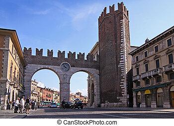 Town gate in Verona - Town gate at the Piazza Bra in Verona,...
