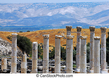 Travel Photos of Israel - Ancient Beit Shean - Pillars in...