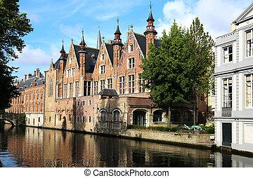 Steenhouwersdijk Bruges - the Steenhouwersdijk on a canal in...
