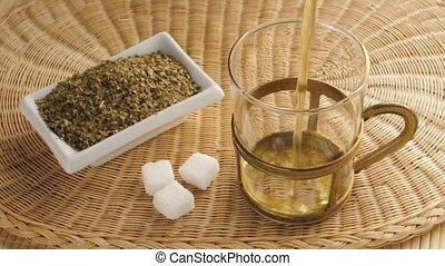 paraguay tea - pouring a paraguay tea