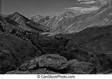 Valle, primero, montañas, Bw