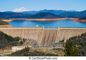 Shasta Dam California - Shasta Dam and Lake Shasta
