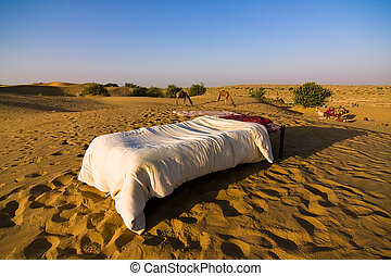 Desert hotel - A bed on a sand dune, at sunrise - Thar...