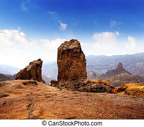 Gran canaria Roque Nublo blue sky - Gran canaria Roque Nublo...