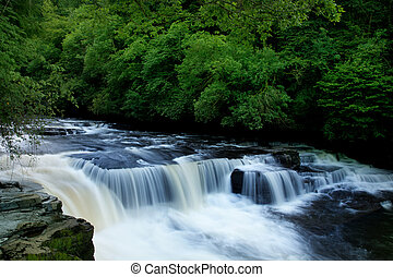 Dundaff Linn waterfall on Clyde