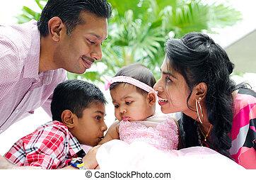 feliz, indio, familia, dos, niños