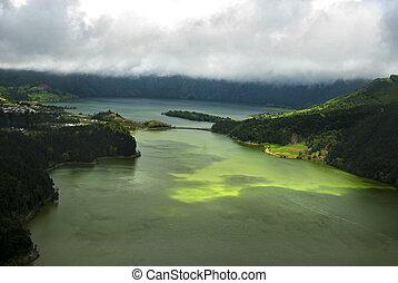acores; sao miguel - sete cidades, lagoa verde - panorama...