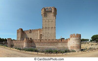 Castillo la Mota - Famous Castle of La Mota in the morning -...