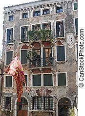 Venice, old palace - Venice (Venezia, Veneto, Italy), old...