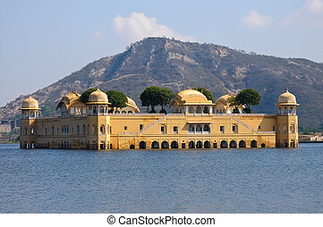 The Jal Mahal Water Palace located in Mansagar Lake in...