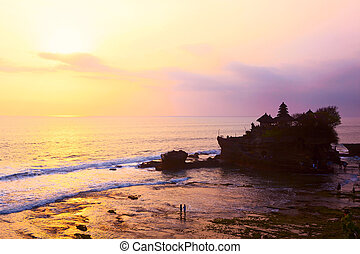 Pura Tanah Lot - Sunset view of Tanah Lot temple, Bali...