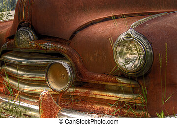 Rusty Pontiac Streamliner - Vintage Pontiac Streamliner with...