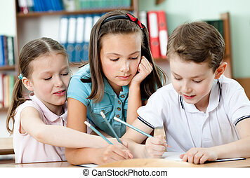 Pupils help to each other - Friendly pupils help to each...