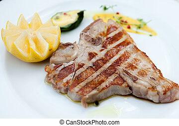Florentine steak - Florentine style steak with lemon