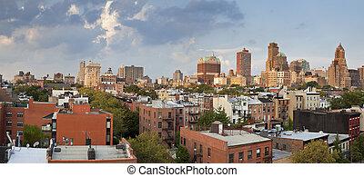 Brooklyn Heights. - Image of Brooklyn Heights at summer...