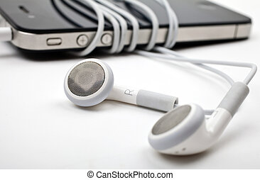 Earphones / Headphones