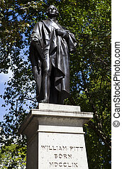 William Pitt Statue in London - William Pitt Statue in...