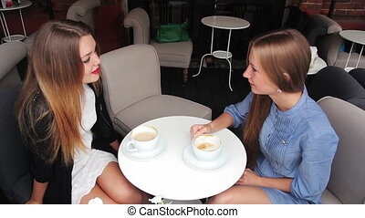 girls in a cafe