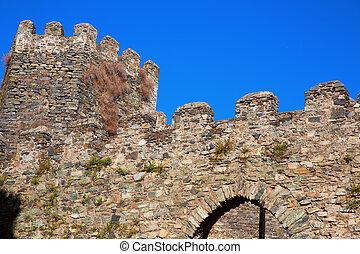 Fort Castillo - Top of Antique Fort Castillo with walls