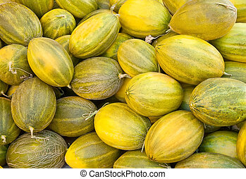 how to tell if a canary melon is ripe