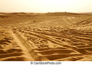 Jeeps on the dunes of Sahara desert - Panoramic view of...