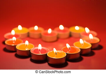 Small light candles, in heart form - Small light candles, in...