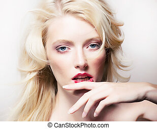 Beauty style - shiny model blonde girl face closeup -...