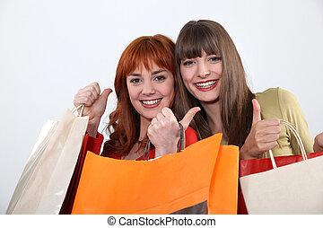 Freundinnen, shoppen, zwei, zusammen