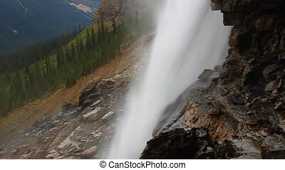 Twin Falls Yoho National Park