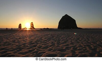 Sunset Cannon Beach 1080p Panning - Sunset with Haystack...