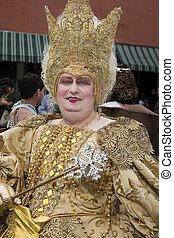 Gold Queen close up - Mardi Gras 2007, New Orleans Bourbon...